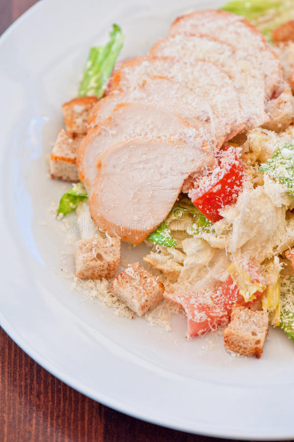 Download Salade ceasar de poulet photo stock. Image du fromage - 45350008