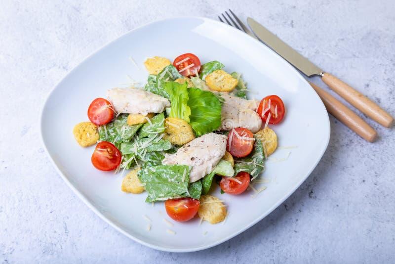 Salade cesar de César avec le poulet photos stock