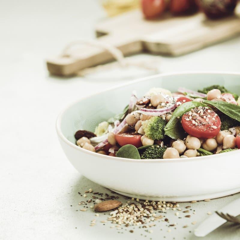 Salade de amplification d'énergie saine de vegan images libres de droits