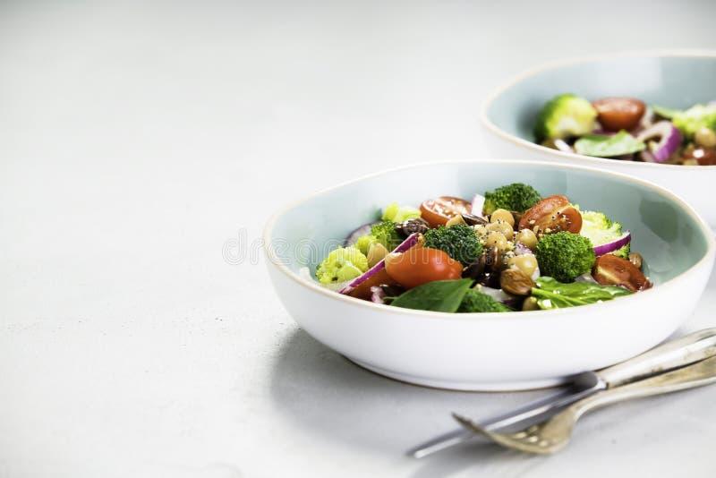 Salade de amplification d'énergie saine de vegan photographie stock