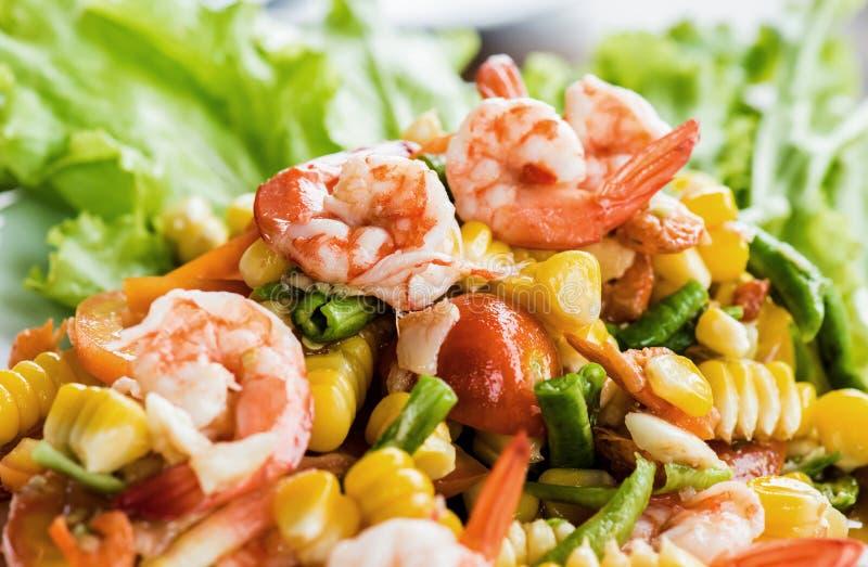 Salade de crevette rose images libres de droits