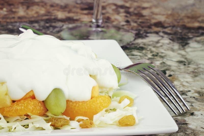 Salade de fruit et d'édam image libre de droits