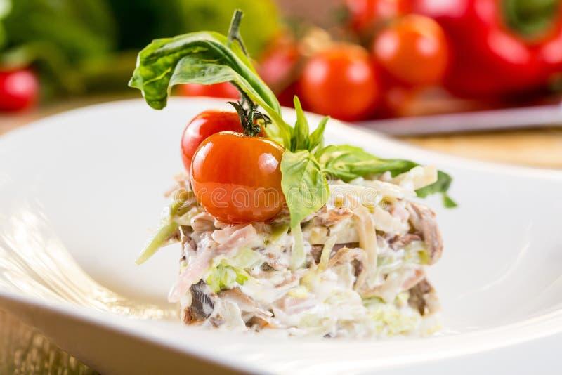 Salade de fruits de mer avec des crevettes photo libre de droits