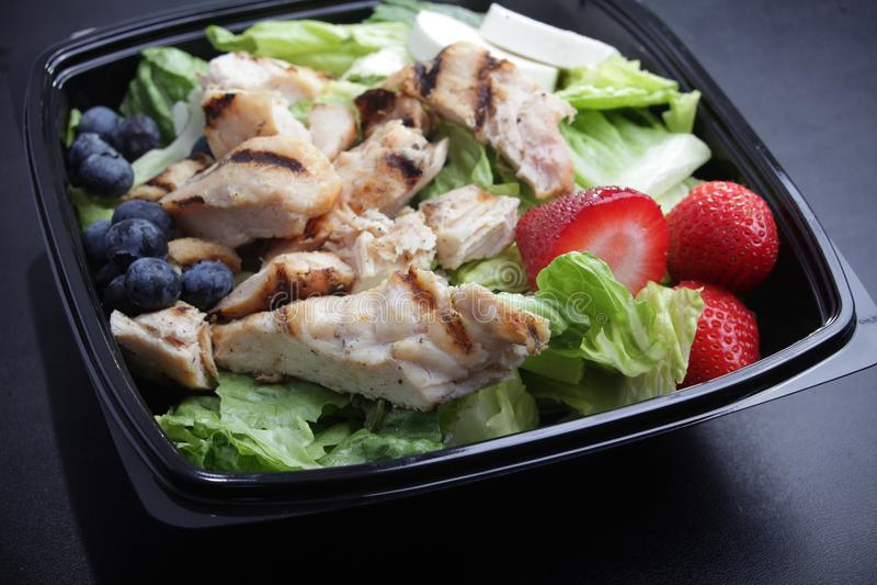 Salade de fruits de poulet photos stock