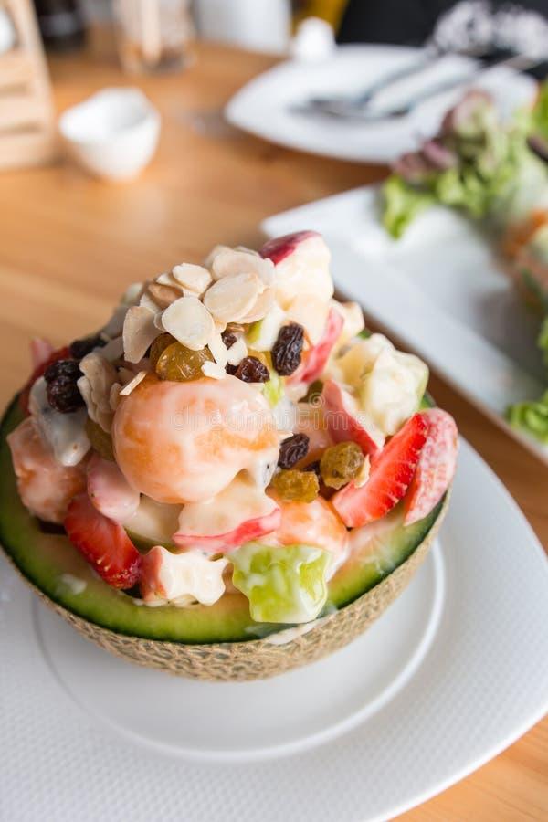Salade de fruits tropicale image libre de droits
