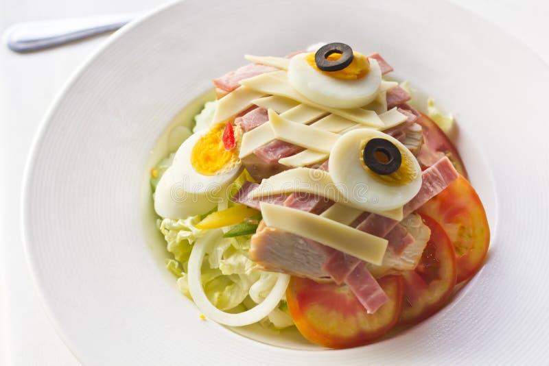 Salade de jambon avec l'oeuf photographie stock libre de droits