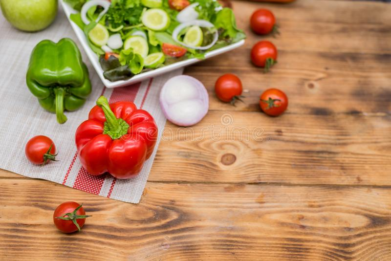Salade de mélange et sain photographie stock