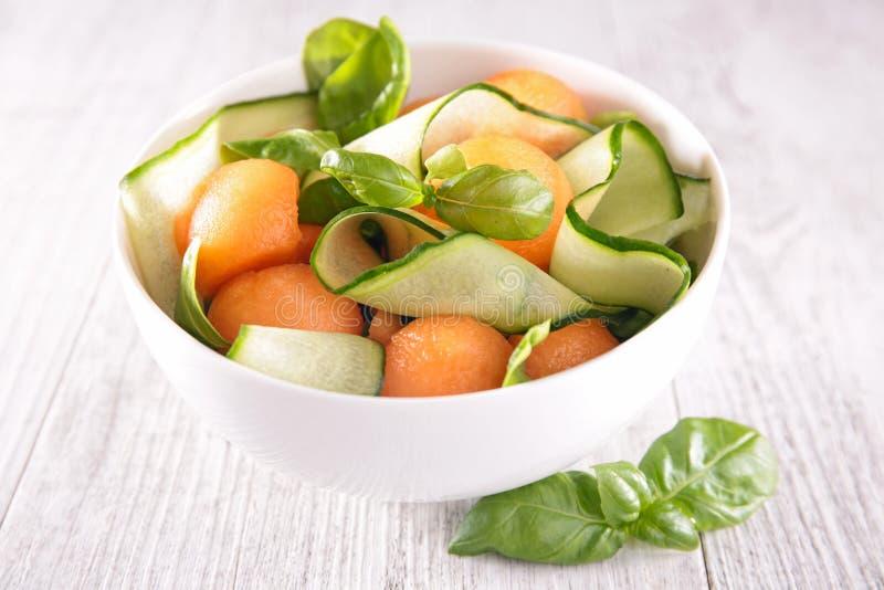 Salade de melon et de concombre images stock