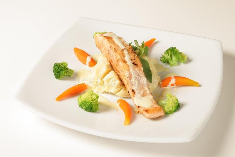 Salade de poissons images stock