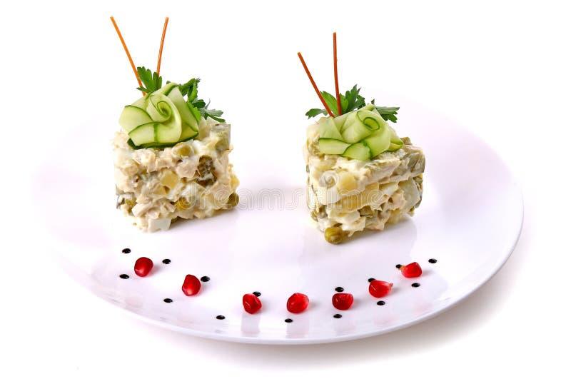 Salade de pomme de terre, d'oeufs et de pois photos libres de droits
