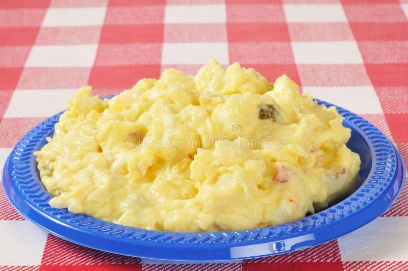 Salade de pomme de terre de moutarde photos stock