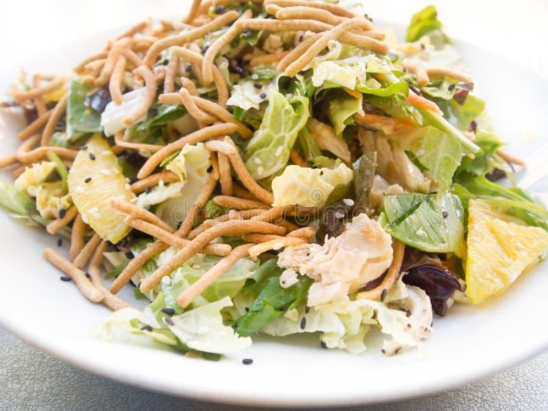 Salade de poulet saine image stock
