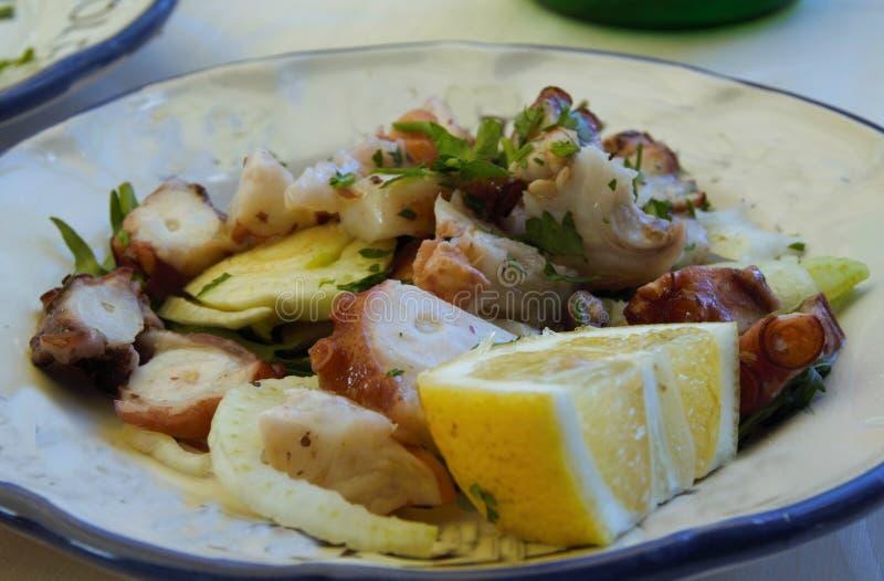 Salade de poulpe photo libre de droits