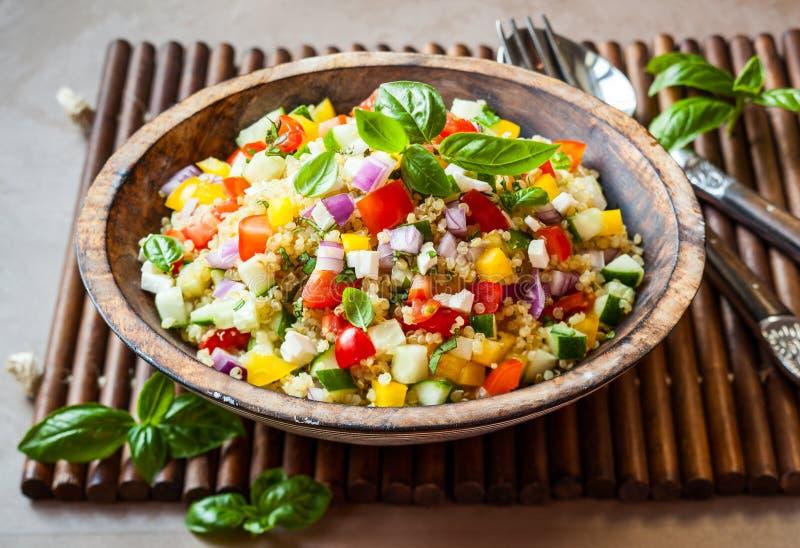 Salade de quinoa photographie stock libre de droits