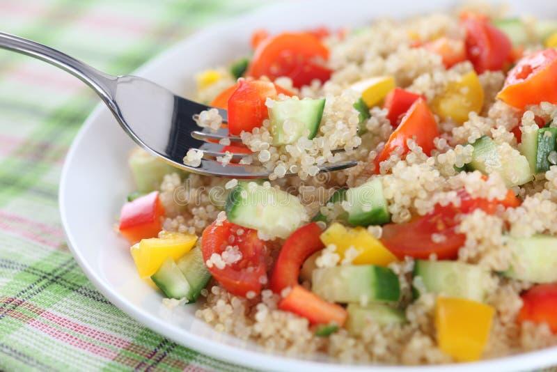 Salade de quinoa de Vegan images libres de droits