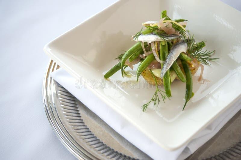 Salade de sardine et de haricot vert photographie stock libre de droits