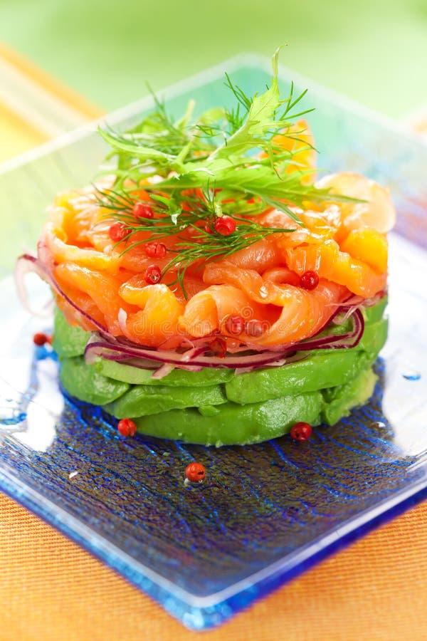 Salade de saumons et d'avocat photo libre de droits