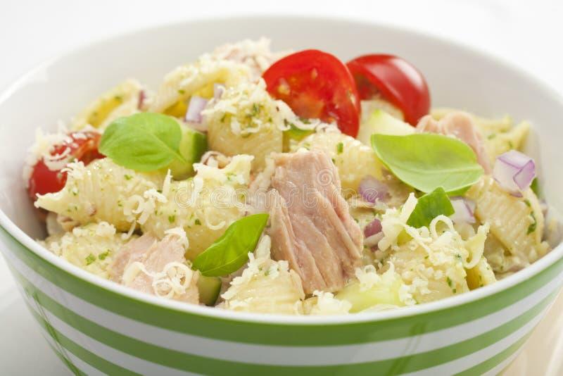 Salade de thon de pâtes images stock