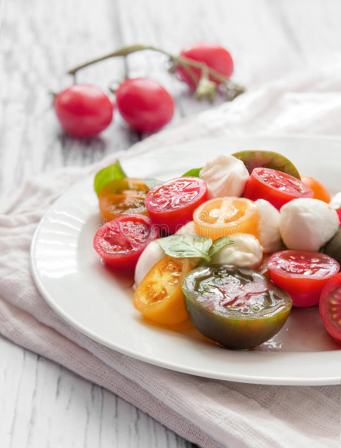 Salade de tomates photo libre de droits