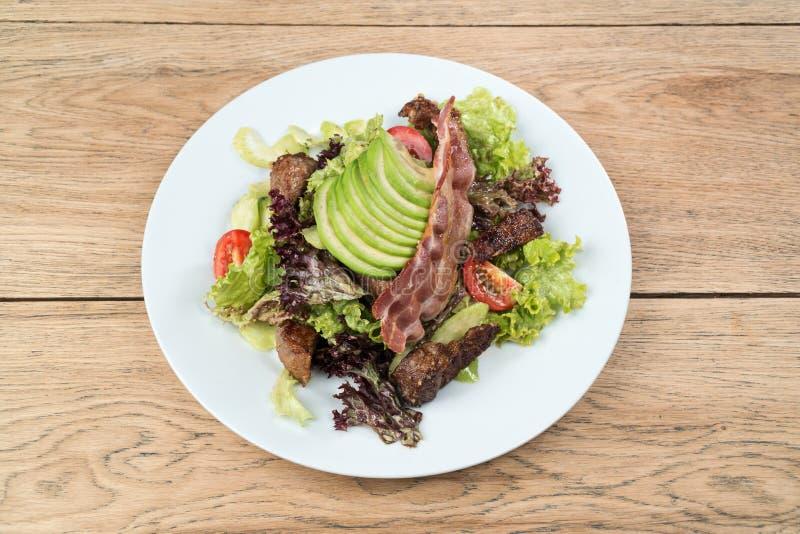 Salade de viande avec de la laitue image libre de droits