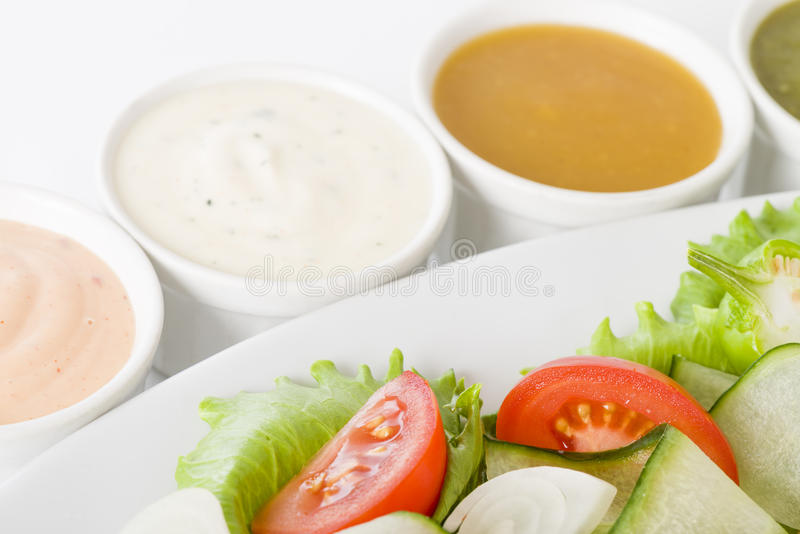 Salade et habillages photos stock
