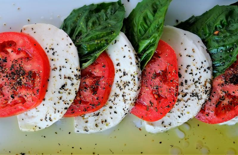 Salade fraîche de Caprese d'Italie photo libre de droits