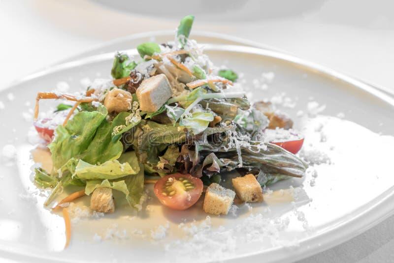 Salade italienne de ceasae photographie stock