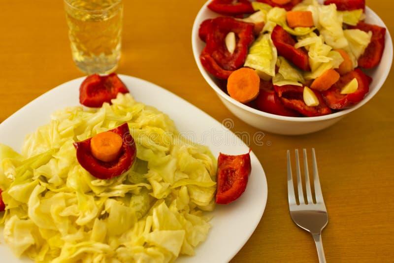 Download Salade met aperitief stock afbeelding. Afbeelding bestaande uit verschillend - 29504987