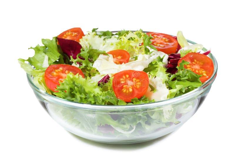 Salade met greens en groenten stock foto's