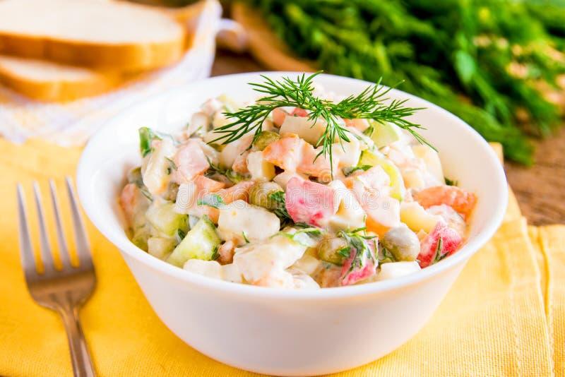 Salade russe olivier photographie stock libre de droits
