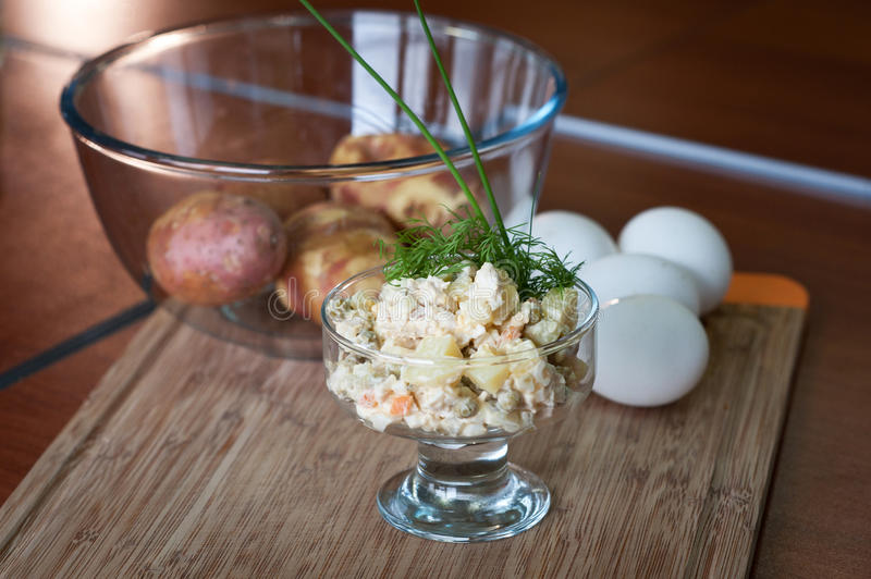 Salade russe olivier photo stock