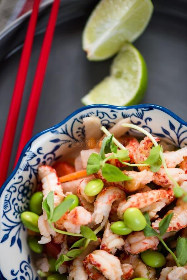 Salade saine de style asiatique image libre de droits