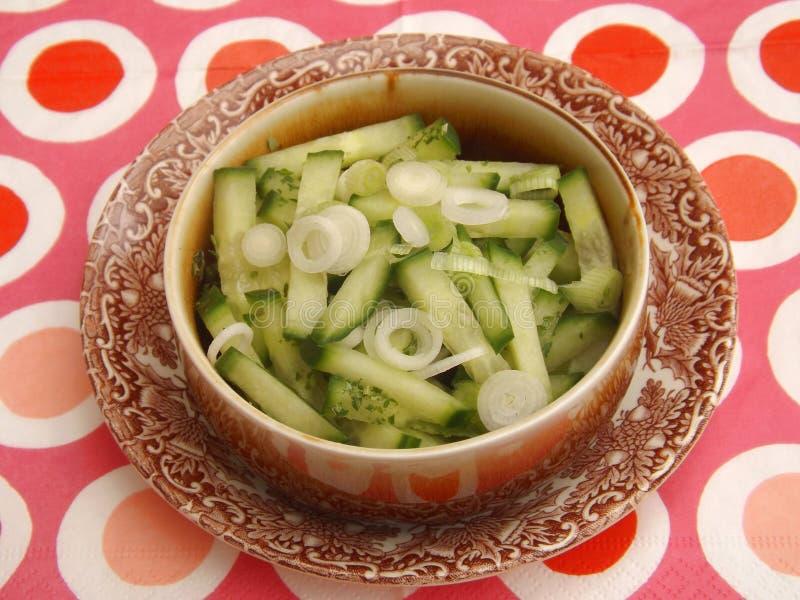 Download Salade van komkommer stock foto. Afbeelding bestaande uit recept - 54083954