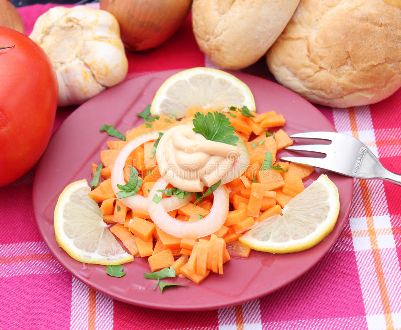 Salade van wortelen royalty-vrije stock afbeelding