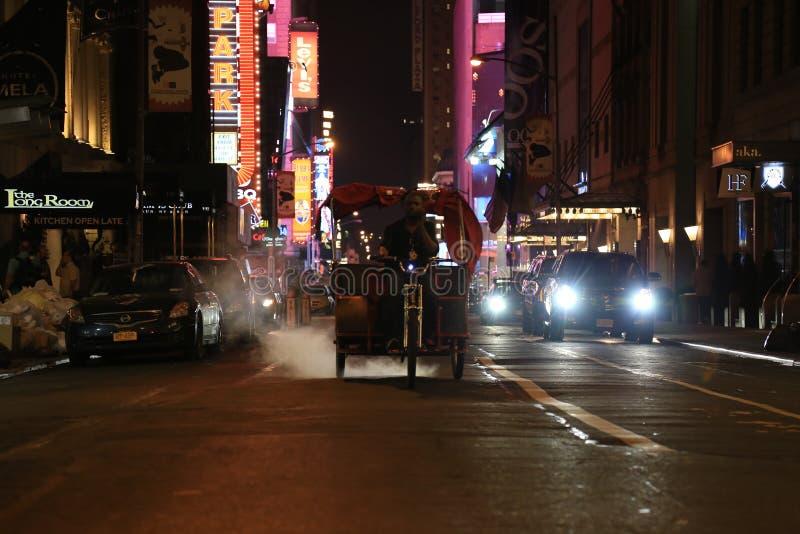 Saladier de New York, la ville qui ne dort jamais photographie stock libre de droits