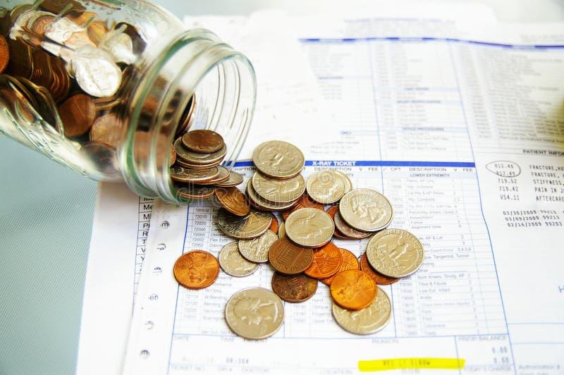 Salaire de facture médicale photographie stock