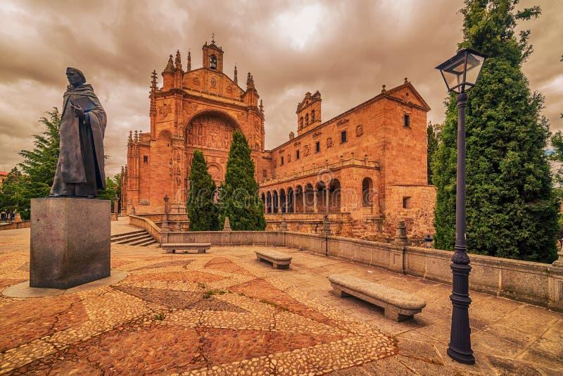 Salamanca, Spagna: Convento de San Esbetan, un monastero domenicano nella plaza del Concilio de Trento, Consiglio di Trent fotografie stock
