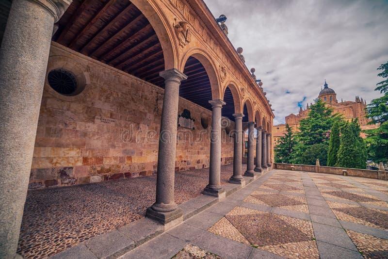 Salamanca, Spagna: Convento de San Esbetan, un monastero domenicano nella plaza del Concilio de Trento, Consiglio di Trent fotografie stock libere da diritti