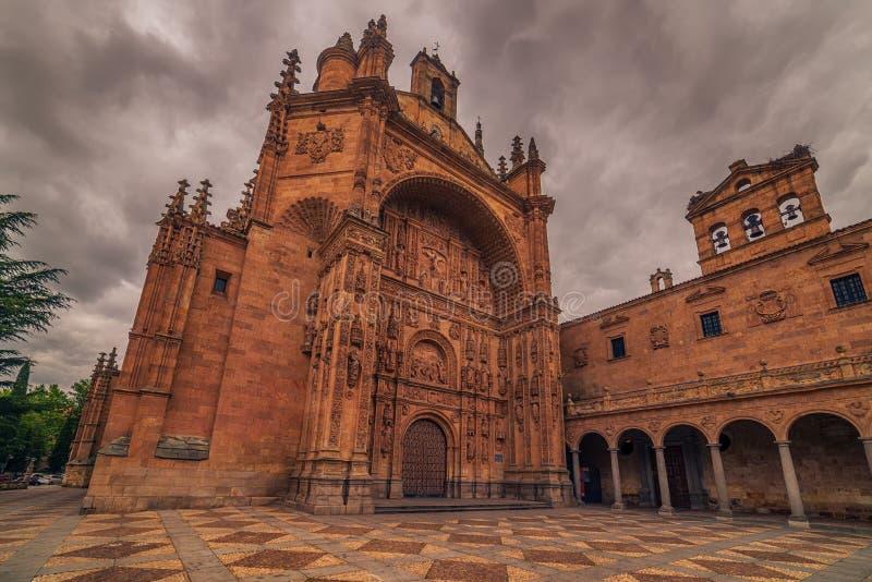 Salamanca, Spagna: Convento de San Esbetan, un monastero domenicano nella plaza del Concilio de Trento, Consiglio di Trent fotografia stock libera da diritti