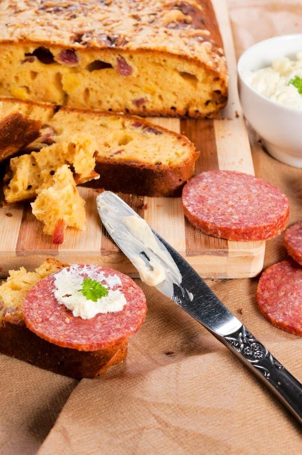 Salame e pão fotos de stock royalty free