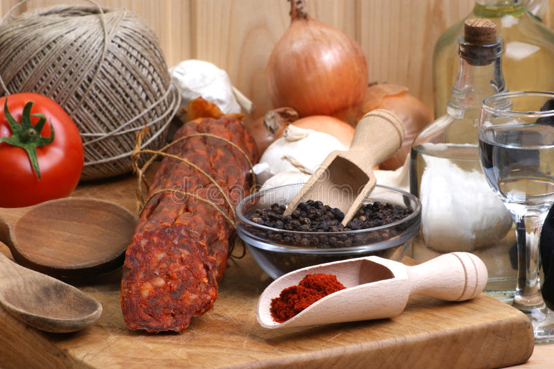 Salami e algum pó da paprika imagens de stock