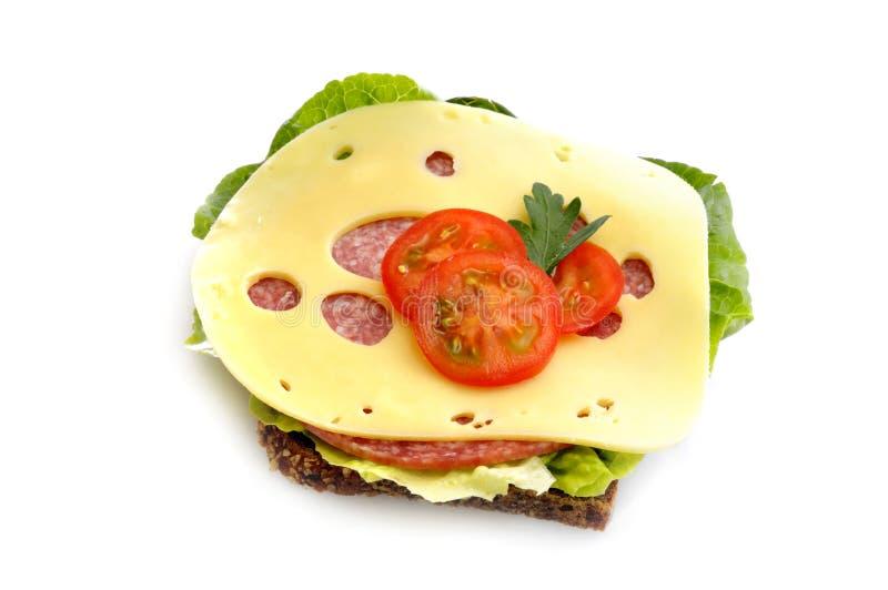 Salamibrot mit Käse stockbild