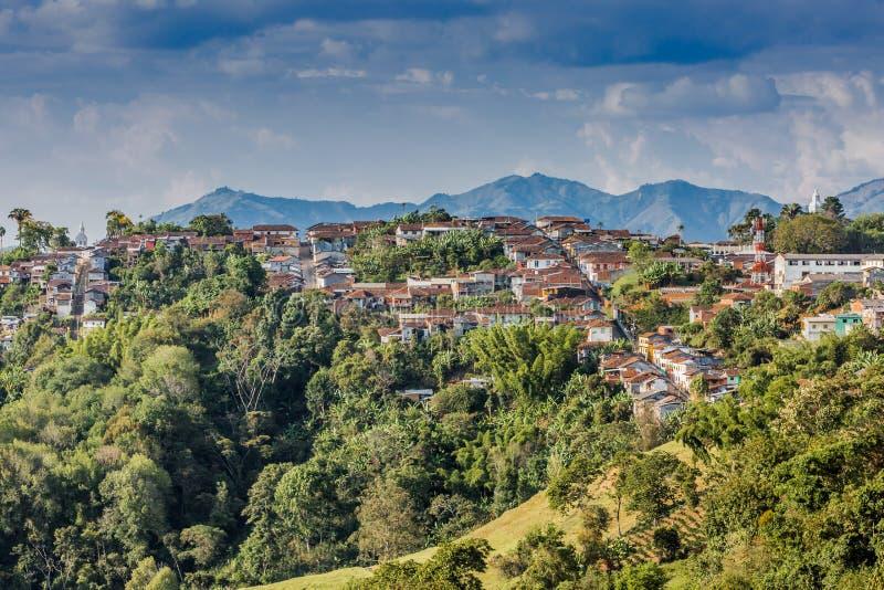 Salamina都市风景地平线卡尔达斯队哥伦比亚卡尔达斯队哥伦比亚 图库摄影