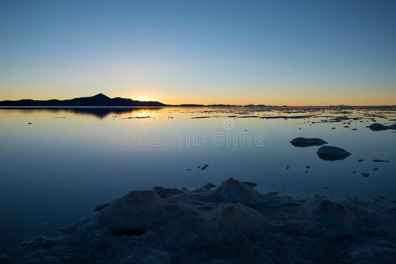 Salar de Uyuni en Bolivia - el plano más grande de la sal del mundo imagen de archivo libre de regalías