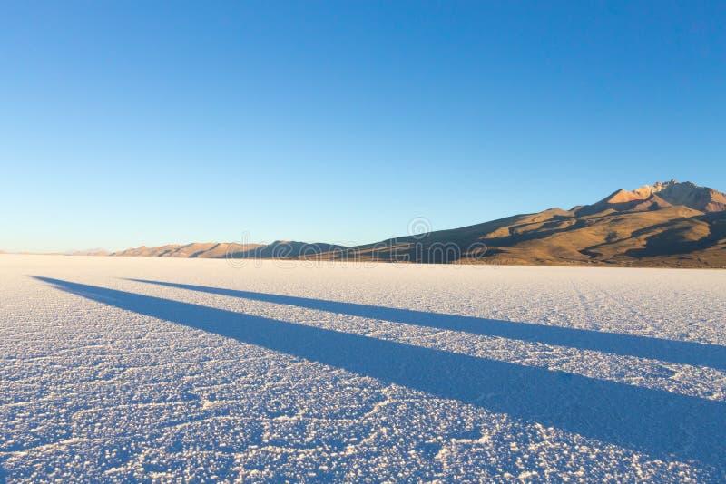 Salar de Uyuni, opinião de Cerro Tunupa fotos de stock royalty free