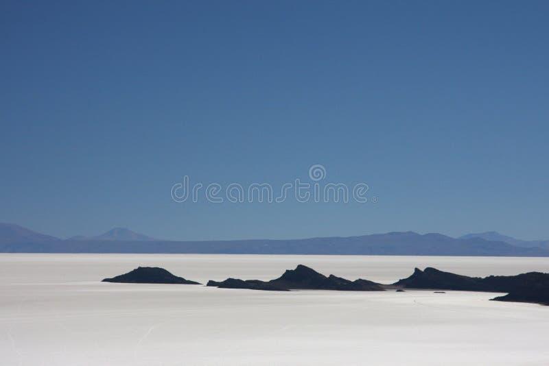 Salar de Uyuni von den Bergen stockfotos