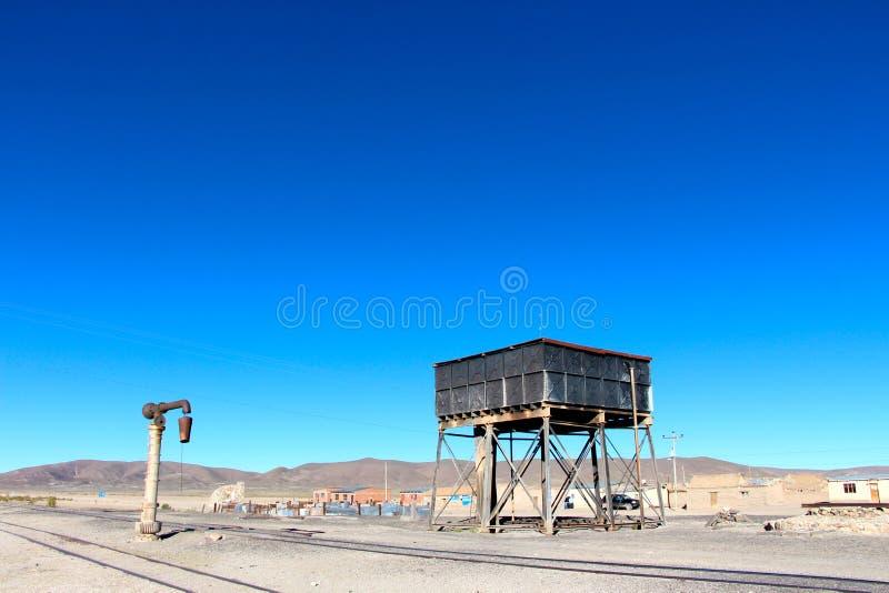 Salar de Uyuni-Zuggrabyard lizenzfreies stockbild