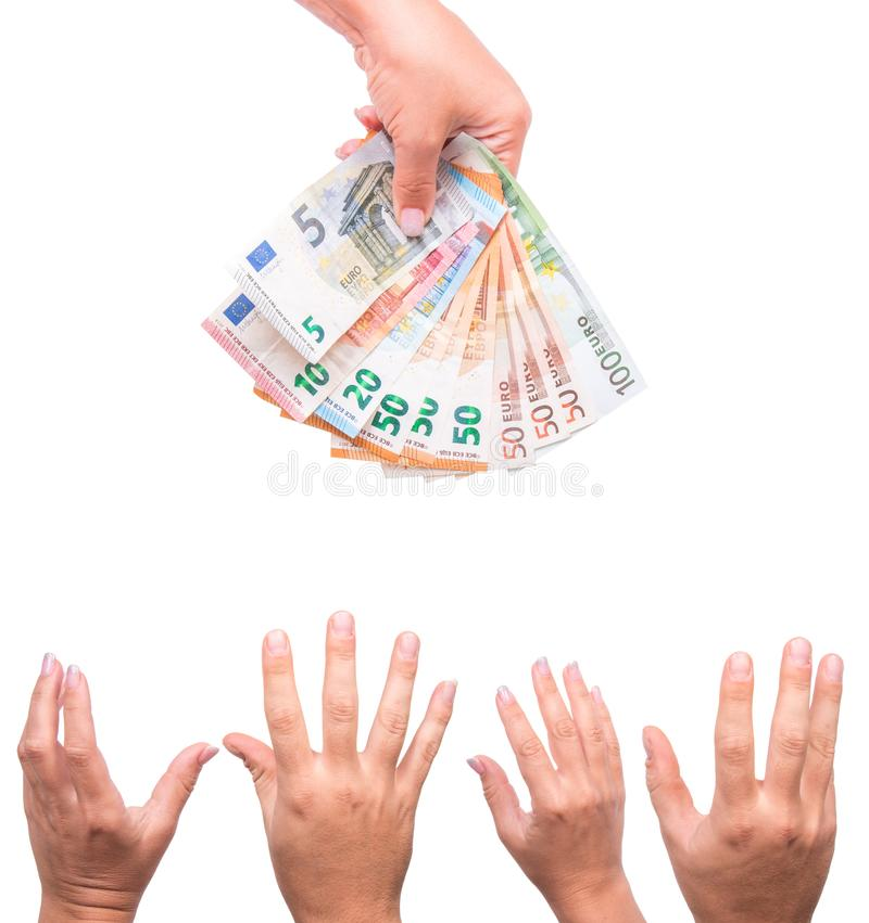 Salaris voor arbeiders Menselijke hand die euro geld delen Geïsoleerdj op witte achtergrond stock fotografie
