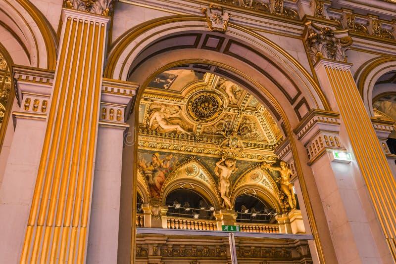 Salas de recepción del ayuntamiento, París, Francia foto de archivo libre de regalías