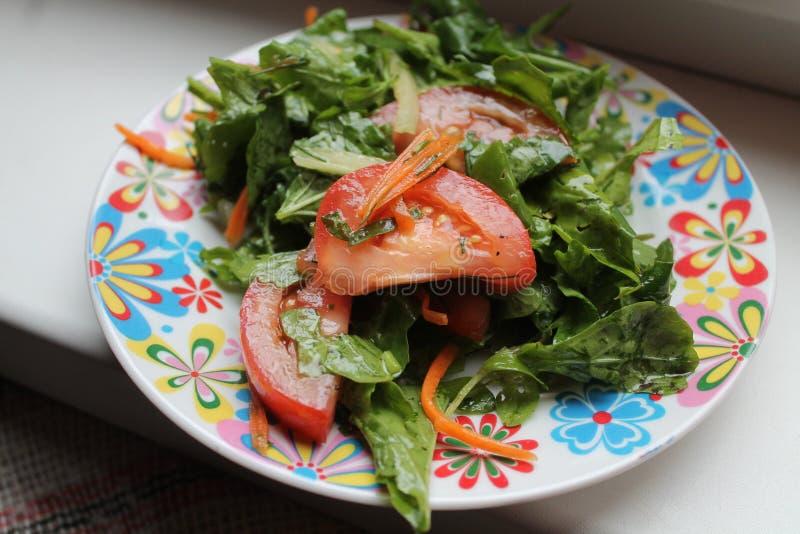 Download Salat stockbild. Bild von gefühl, diät, kräuter, kochen - 96932301